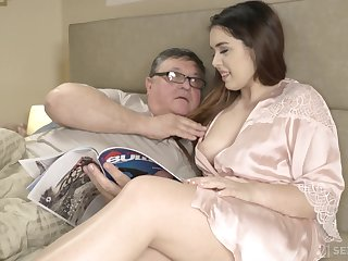 An old man discovers transmitted to joy be expeditious for having sex forth his curvy stepdaughter