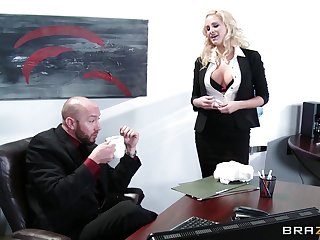 Wild sex on the place table with delicious secretary Jessica Nyx