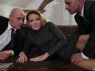 Blonde MILF Samantha Johnson gets two cocks and eats cum