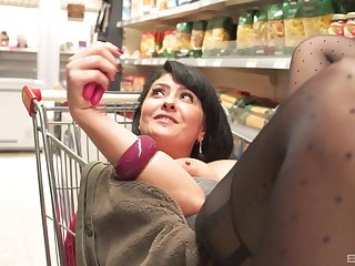 Mature naughty Mariskax sucks dick and gets fucked at a store