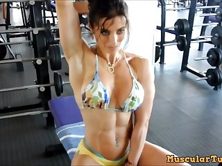 female muscle long workout - fetish pellicle