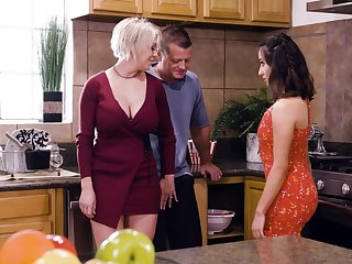 Busty blonde housewife Dee Williams loves having silly dank MFF threesome
