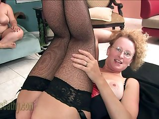 sizzling MILF Cathy Interracial creampie gangbang