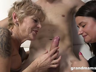 Grannies Wanna Have Fun - old and 18yo down threesome market garden cum